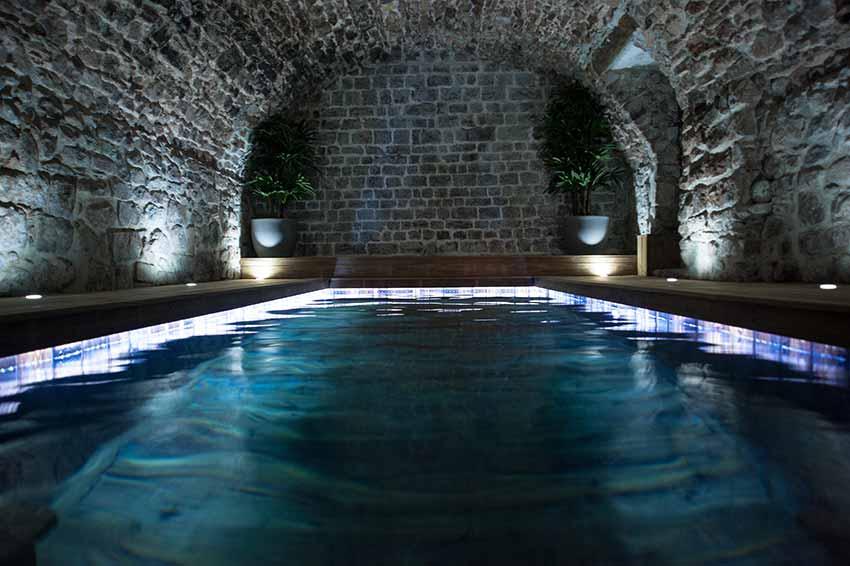 Chambre d 39 h tes avec piscine interieure jacuzzi var provence - Chambre d hote piscine interieure ...