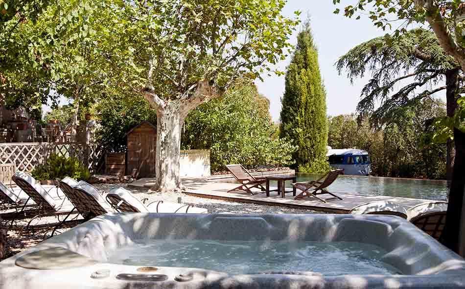 Piscine chauff e spa chambre d 39 h tes en provence var for Piscine bois 1m30