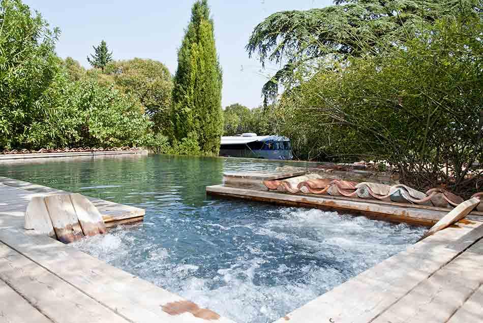 Piscine chauff e spa chambre d 39 h tes en provence var - Bassin naturel baignade fort de france ...